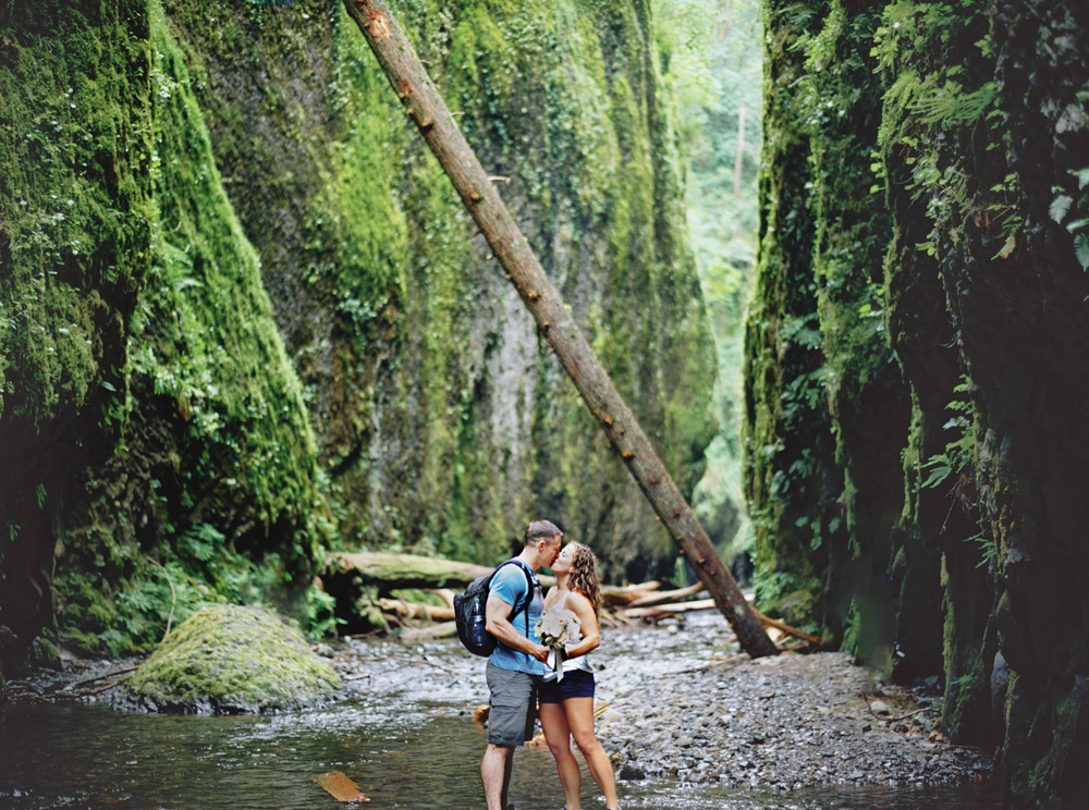 041OneontaGorge+Elopement+Photography+Videography+Oregon+OutliveCreative.jpg