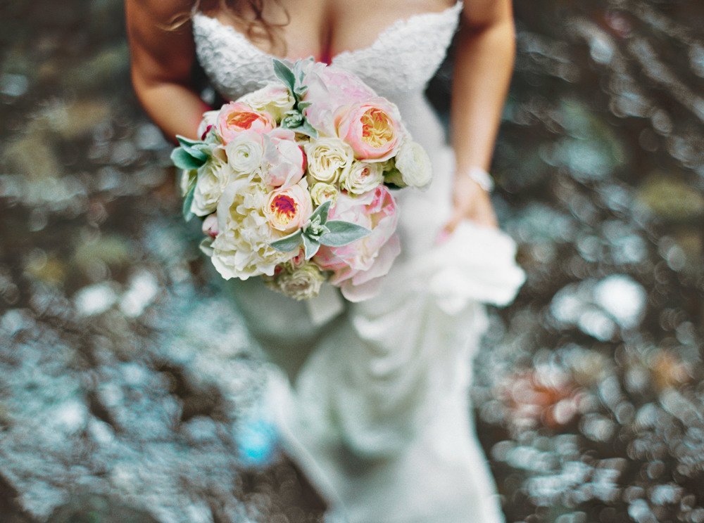047OneontaGorge+Elopement+Photography+Videography+Oregon+OutliveCreative.jpg