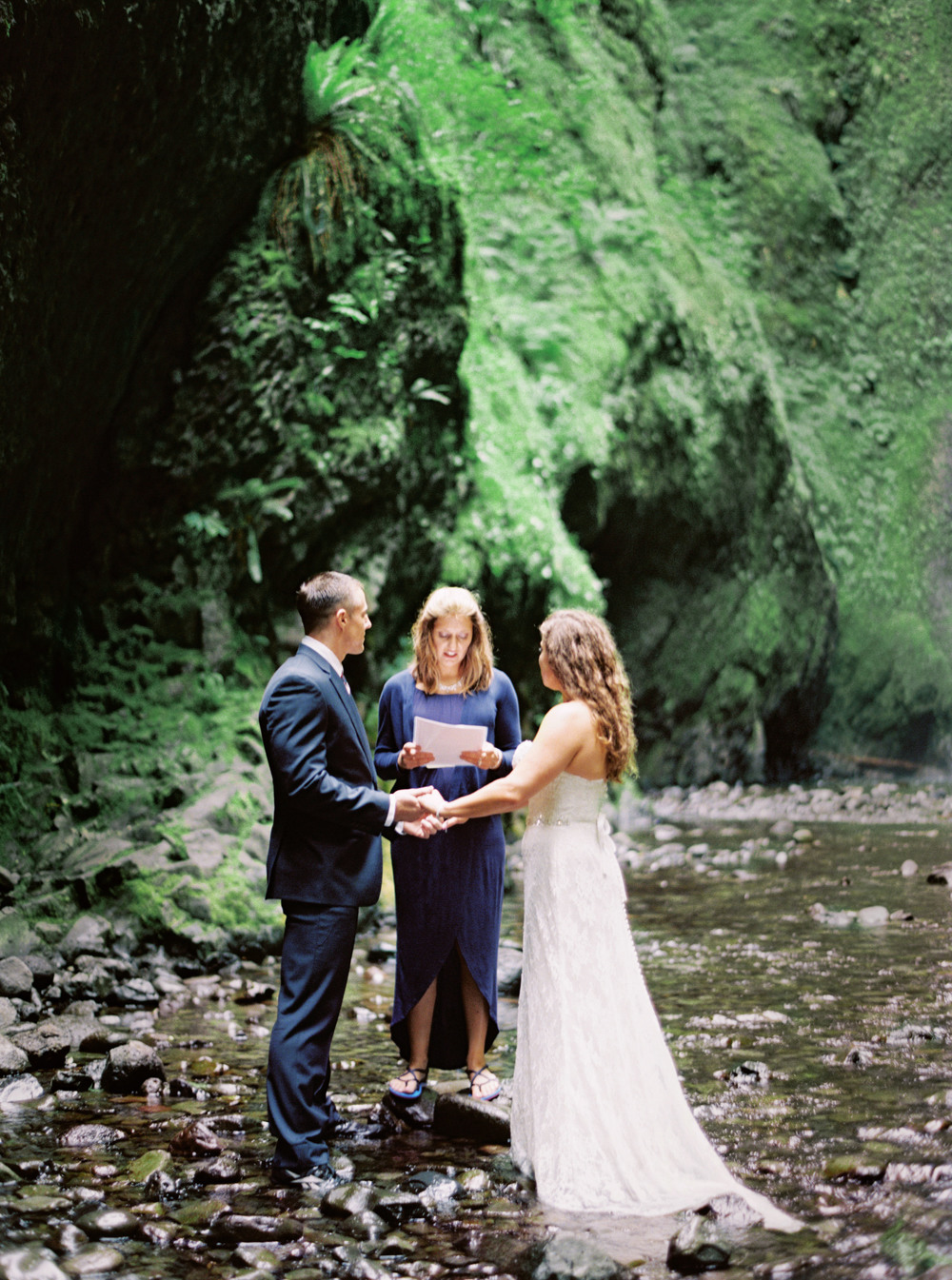 053OneontaGorge+Elopement+Photography+Videography+Oregon+OutliveCreative.jpg