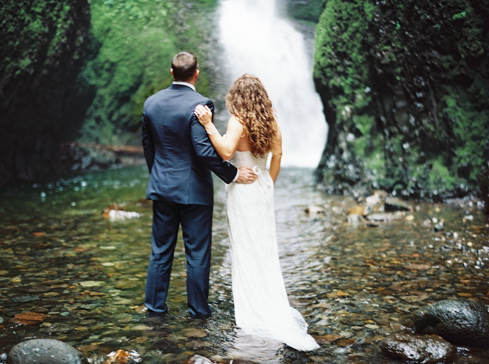 065OneontaGorge+Elopement+Photography+Videography+Oregon+OutliveCreative.jpg