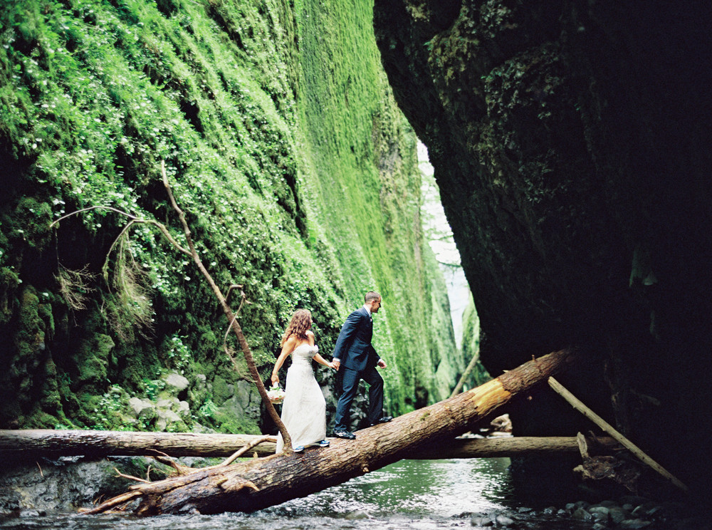 079OneontaGorge+Elopement+Photography+Videography+Oregon+OutliveCreative.jpg