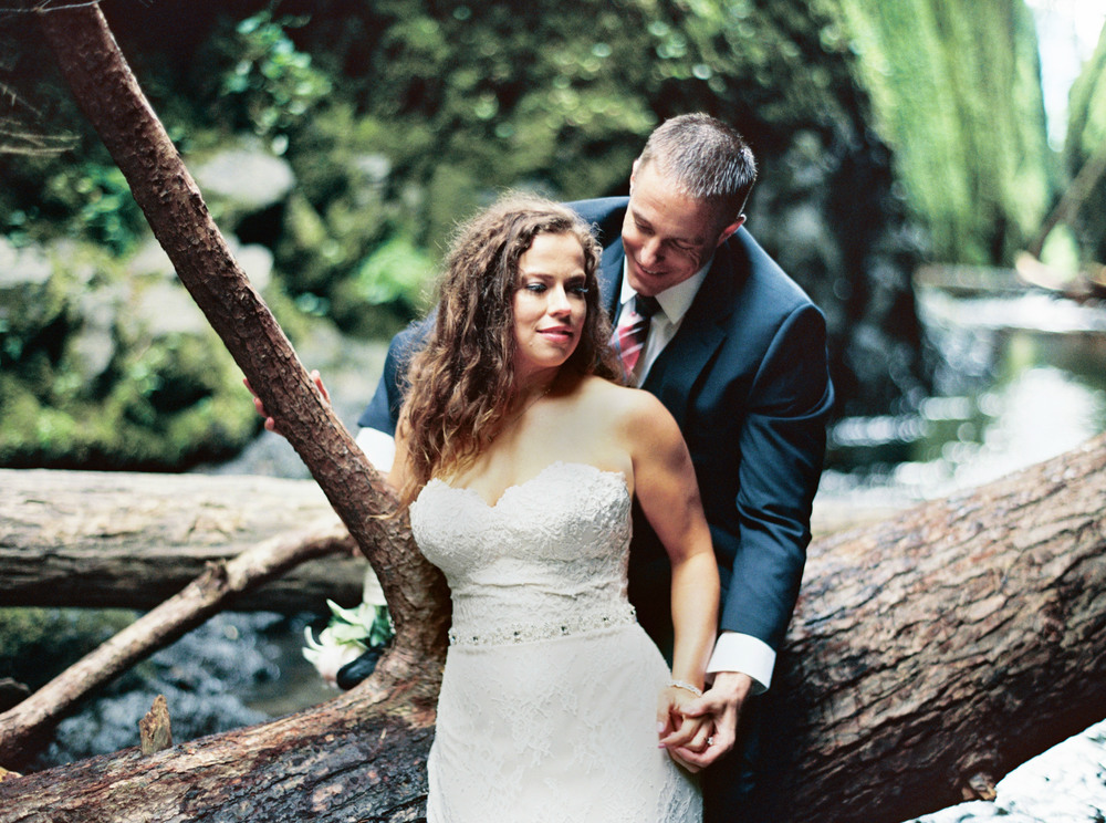 080OneontaGorge+Elopement+Photography+Videography+Oregon+OutliveCreative.jpg