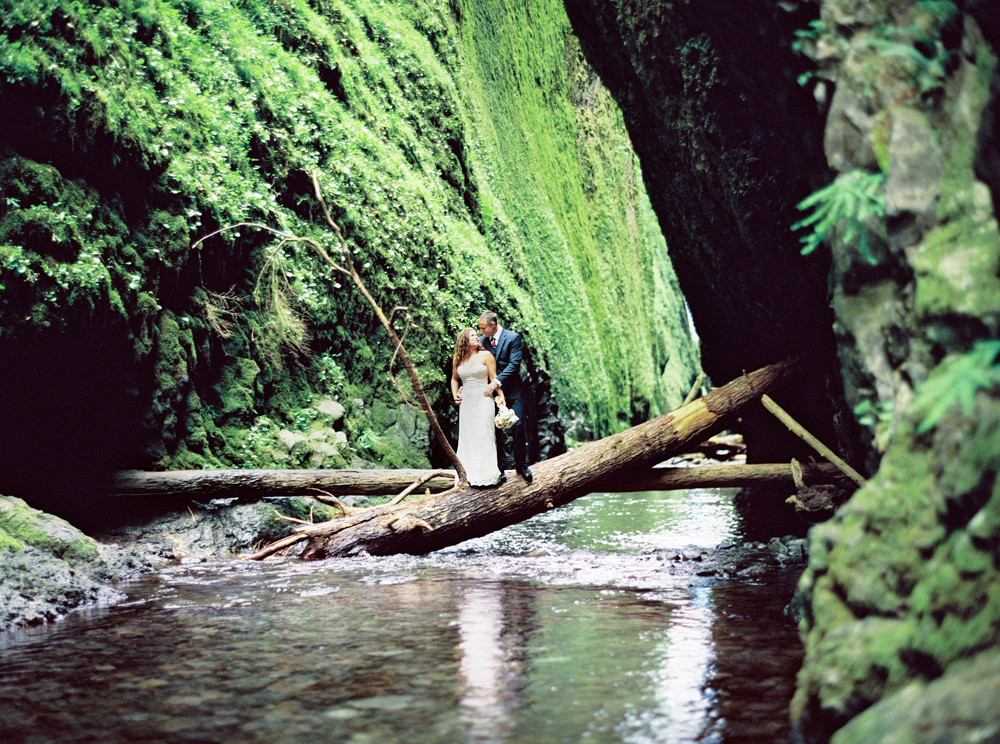 083OneontaGorge+Elopement+Photography+Videography+Oregon+OutliveCreative.jpg