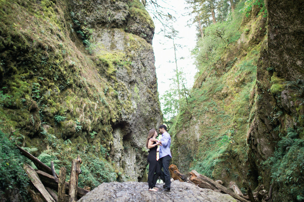 005Oneonta Gorge : Portland Oregon Wedding Photographer : Best engagment shoot location : 2016.jpg