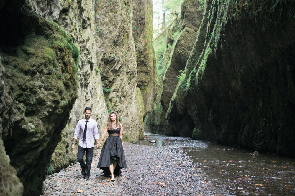 007Oneonta Gorge : Portland Oregon Wedding Photographer : Best engagment shoot location : 2016.jpg
