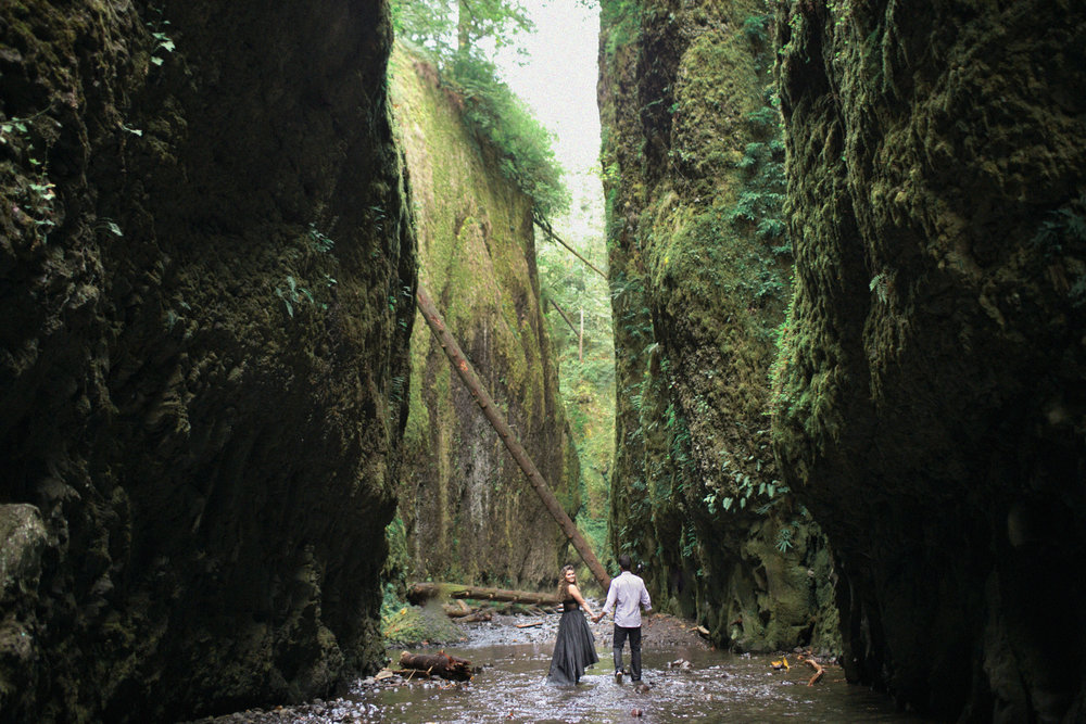 013Oneonta Gorge : Portland Oregon Wedding Photographer : Best engagment shoot location : 2016.jpg