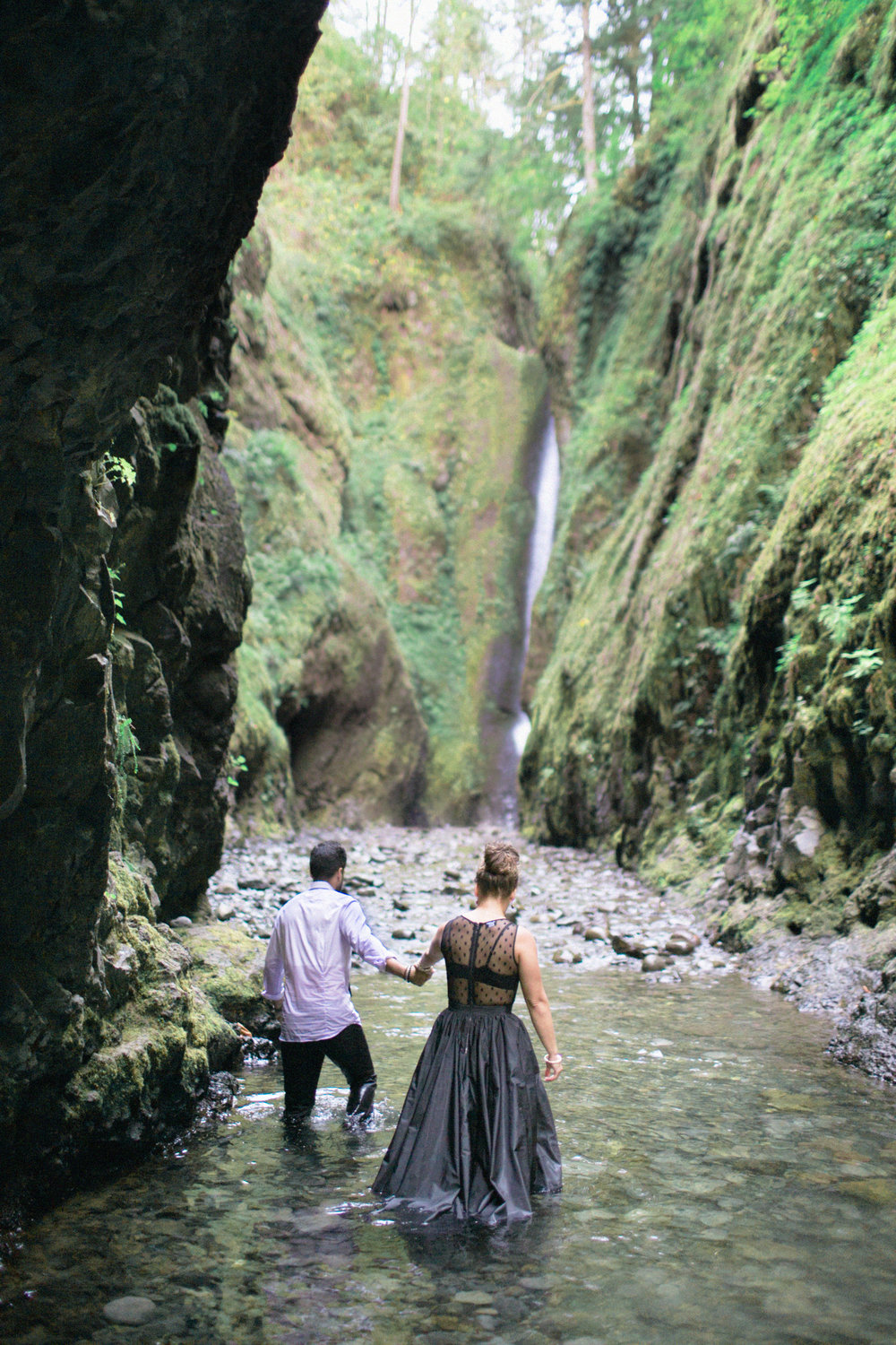 021Oneonta Gorge : Portland Oregon Wedding Photographer : Best engagment shoot location : 2016.jpg