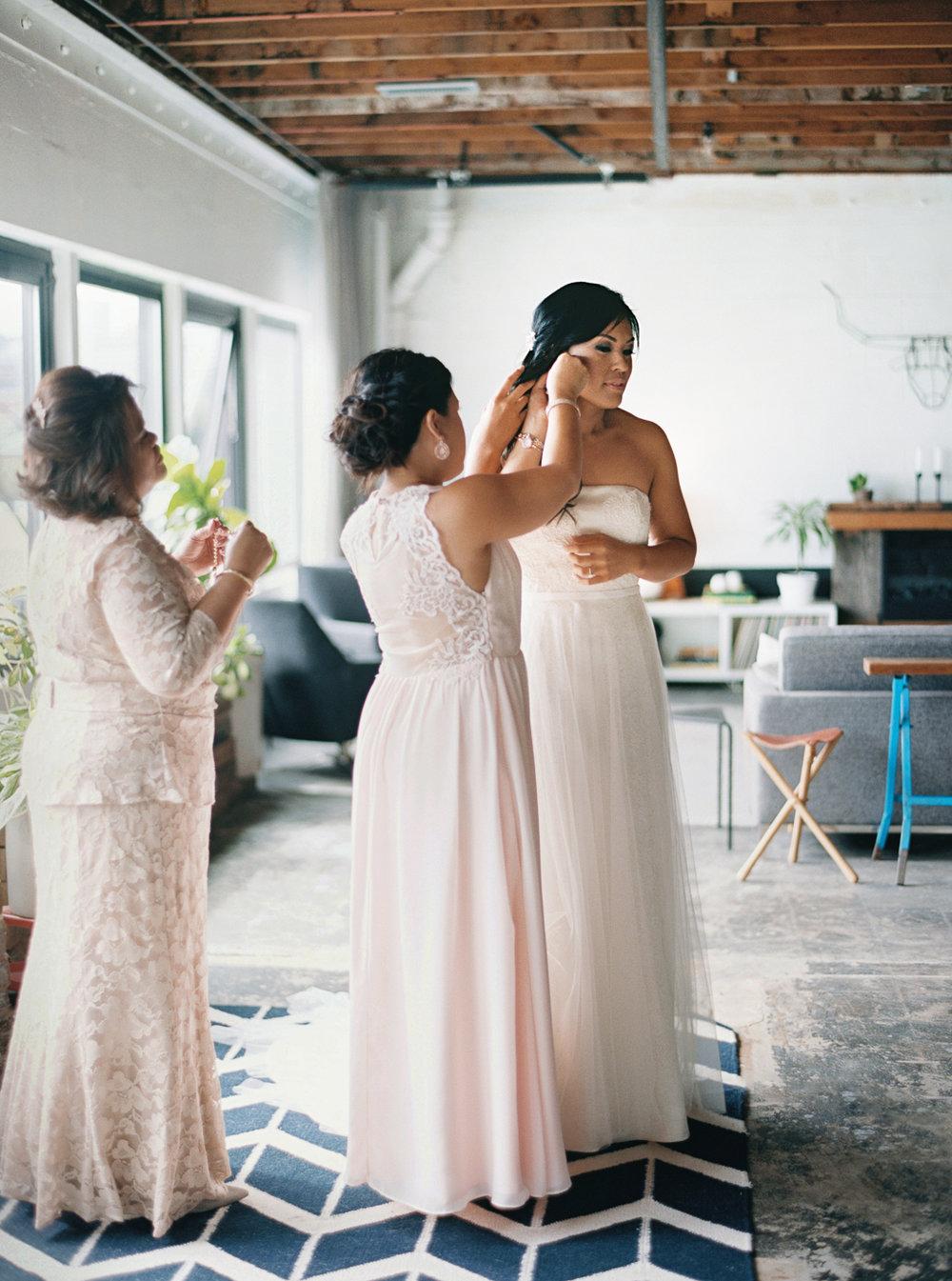 014Union_Pine_Portland_Oregon_Wedding_Photography.jpg