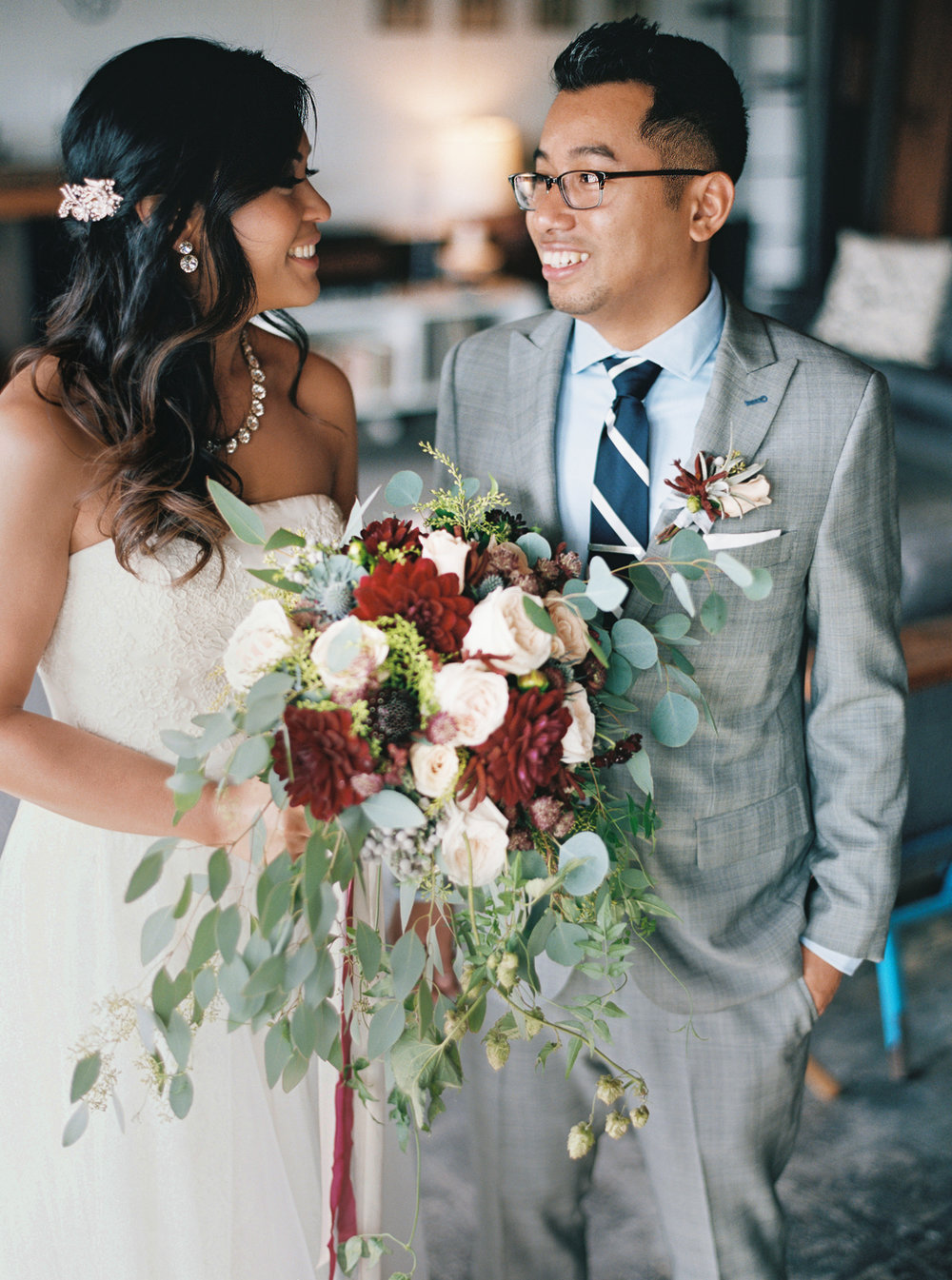 021Union_Pine_Portland_Oregon_Wedding_Photography.jpg