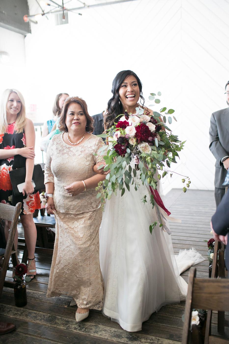 036Union_Pine_Portland_Oregon_Wedding_Photography.jpg