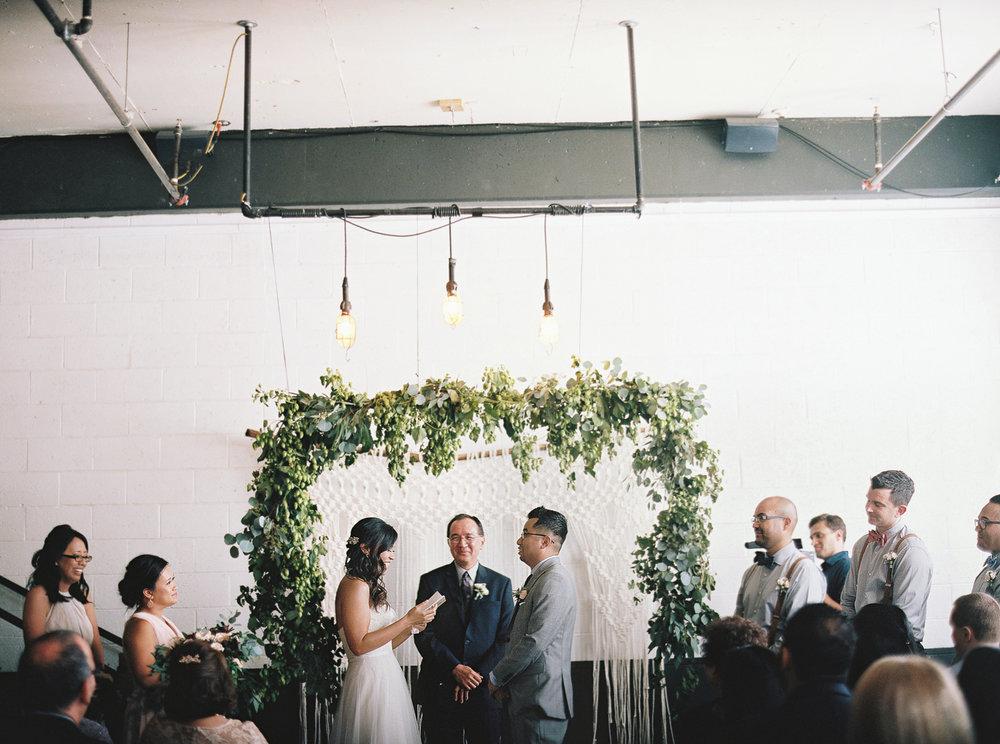 039Union_Pine_Portland_Oregon_Wedding_Photography.jpg
