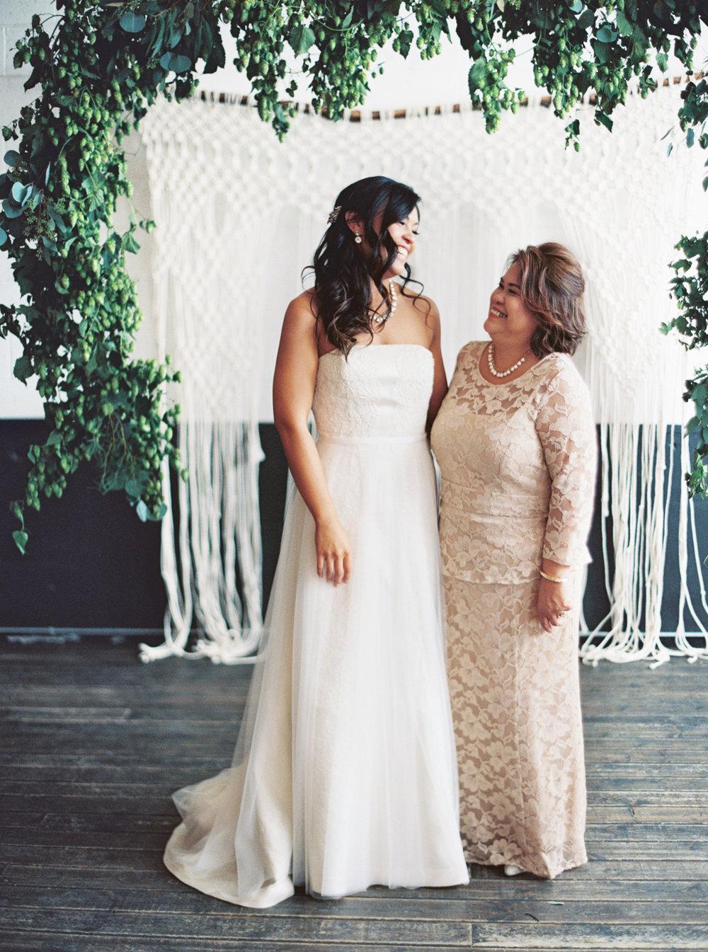 052Union_Pine_Portland_Oregon_Wedding_Photography.jpg