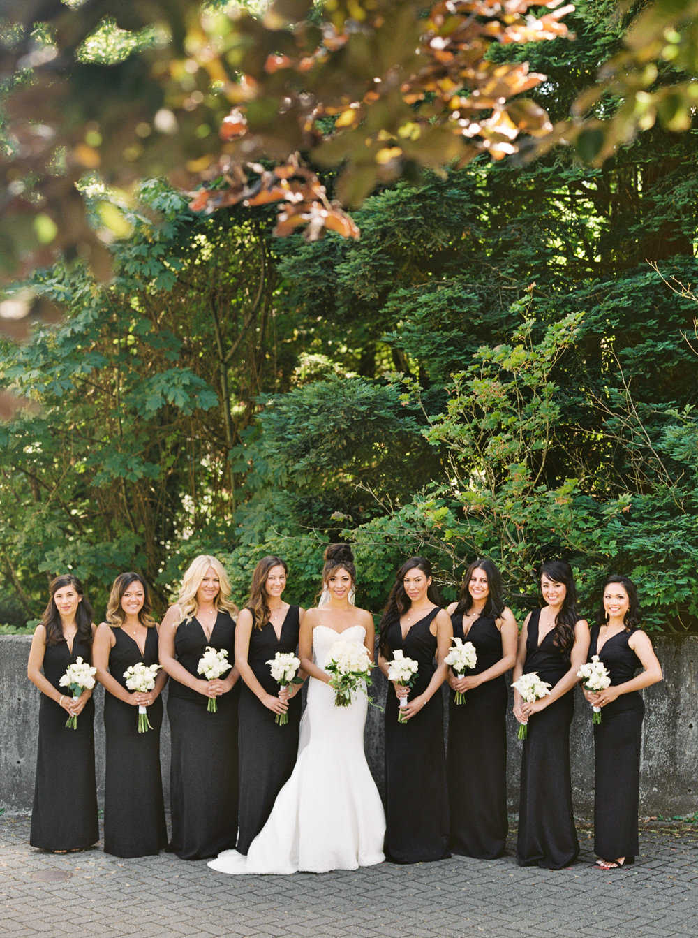 021OutliveCreative_Travel_Photographer_Videographer_Lewis&Clark_Oregon_Elegant_BlackTie_Destination_Wedding.jpg