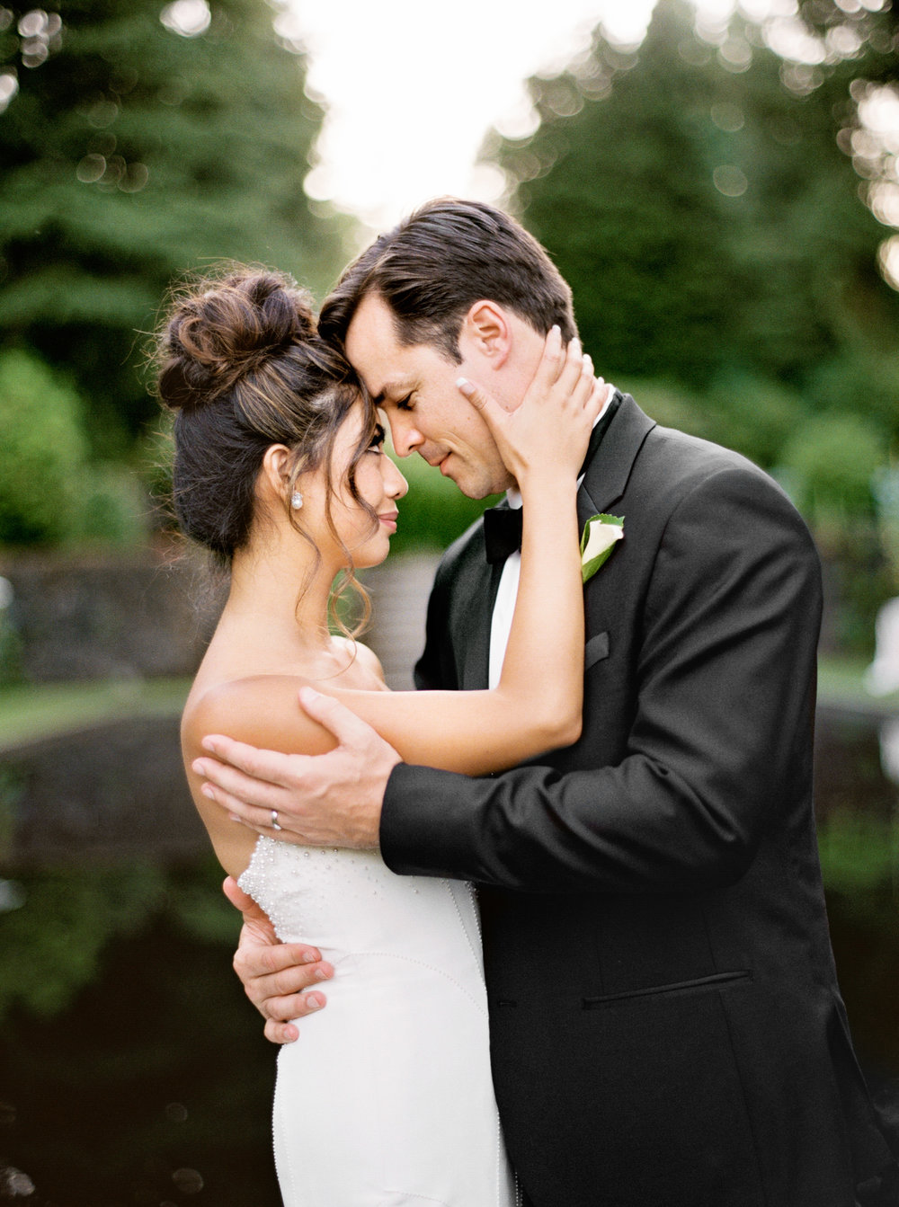 080OutliveCreative_Travel_Photographer_Videographer_Lewis&Clark_Oregon_Elegant_BlackTie_Destination_Wedding.jpg