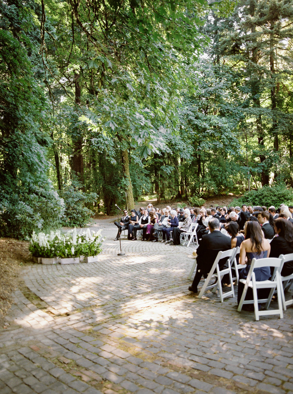 117OutliveCreative_Travel_Photographer_Videographer_Lewis&Clark_Oregon_Elegant_BlackTie_Destination_Wedding.jpg