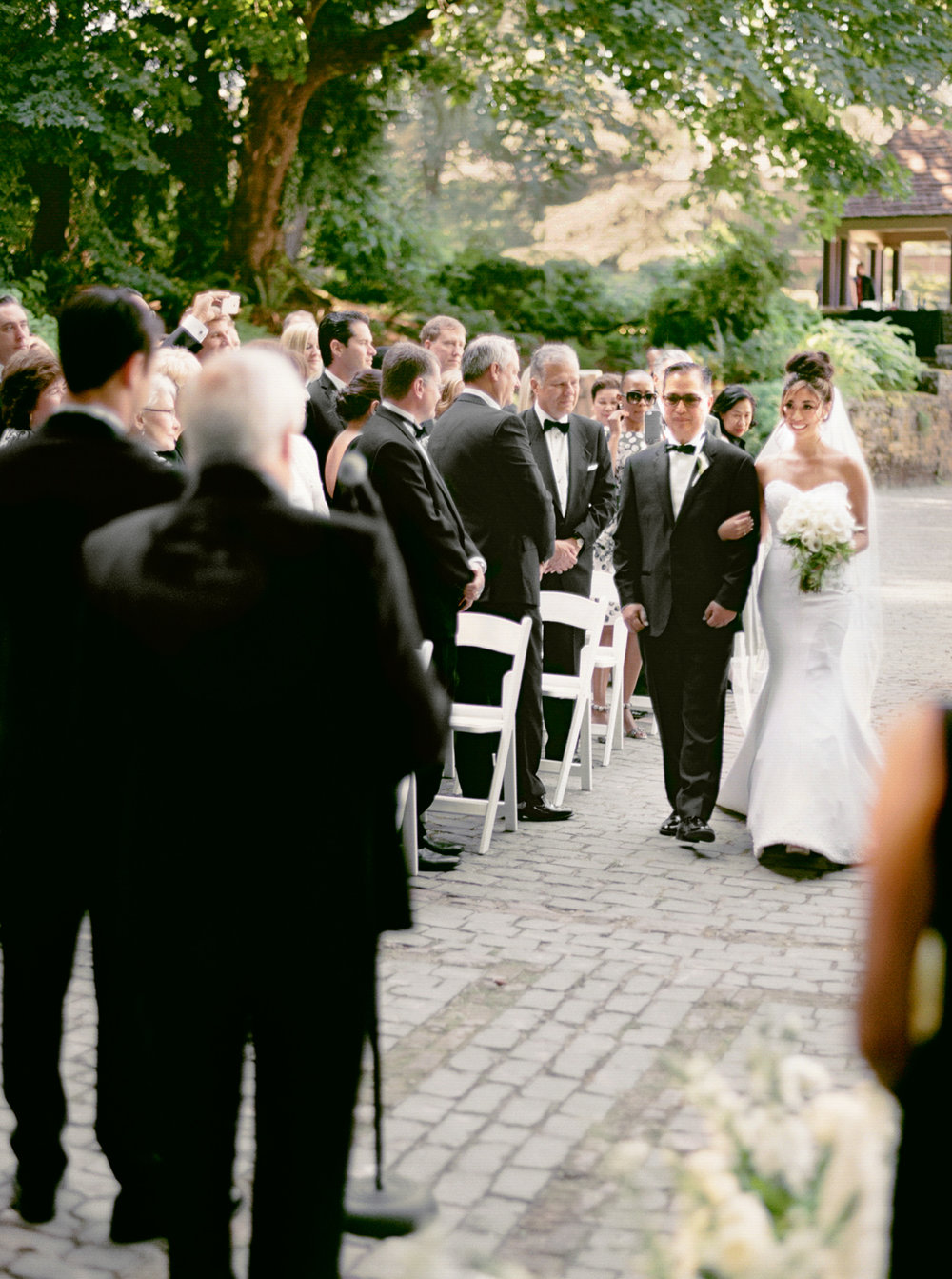 132OutliveCreative_Travel_Photographer_Videographer_Lewis&Clark_Oregon_Elegant_BlackTie_Destination_Wedding.jpg