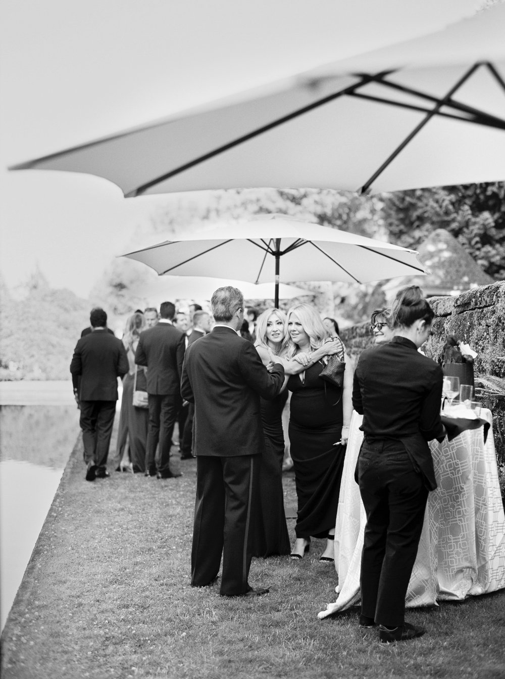 155OutliveCreative_Travel_Photographer_Videographer_Lewis&Clark_Oregon_Elegant_BlackTie_Destination_Wedding.jpg