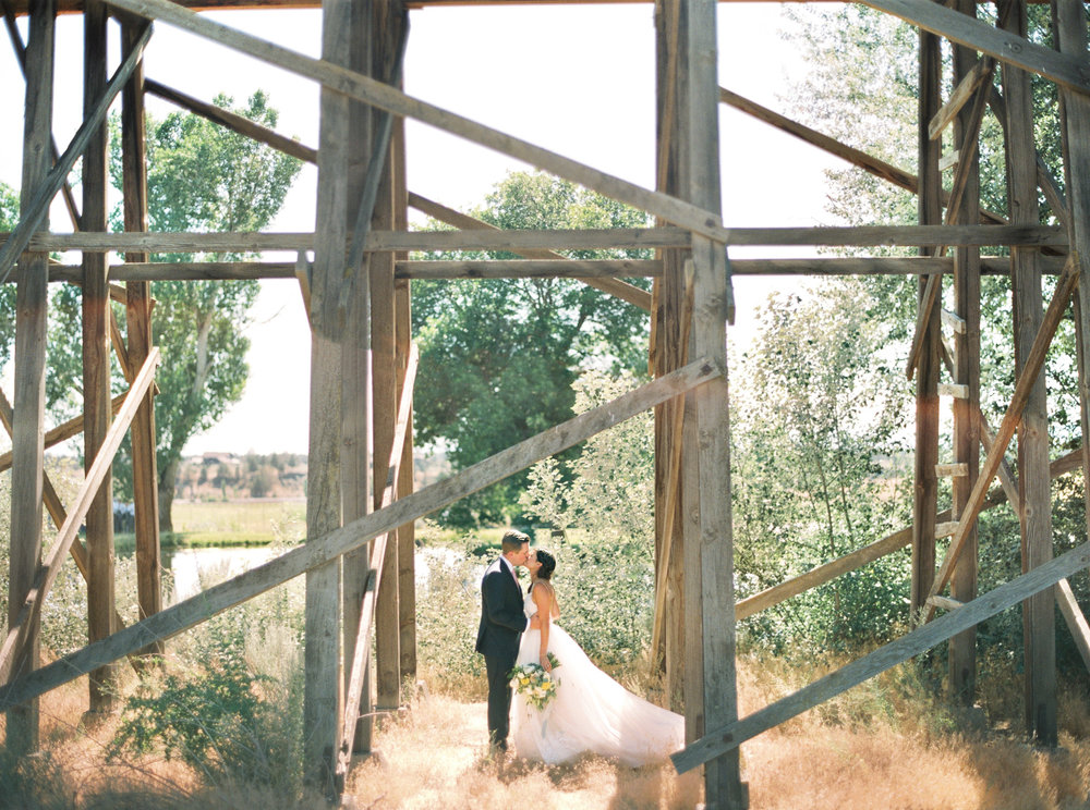 001brasada_ranch_destination_wedding_photography_wedding_videography.jpg