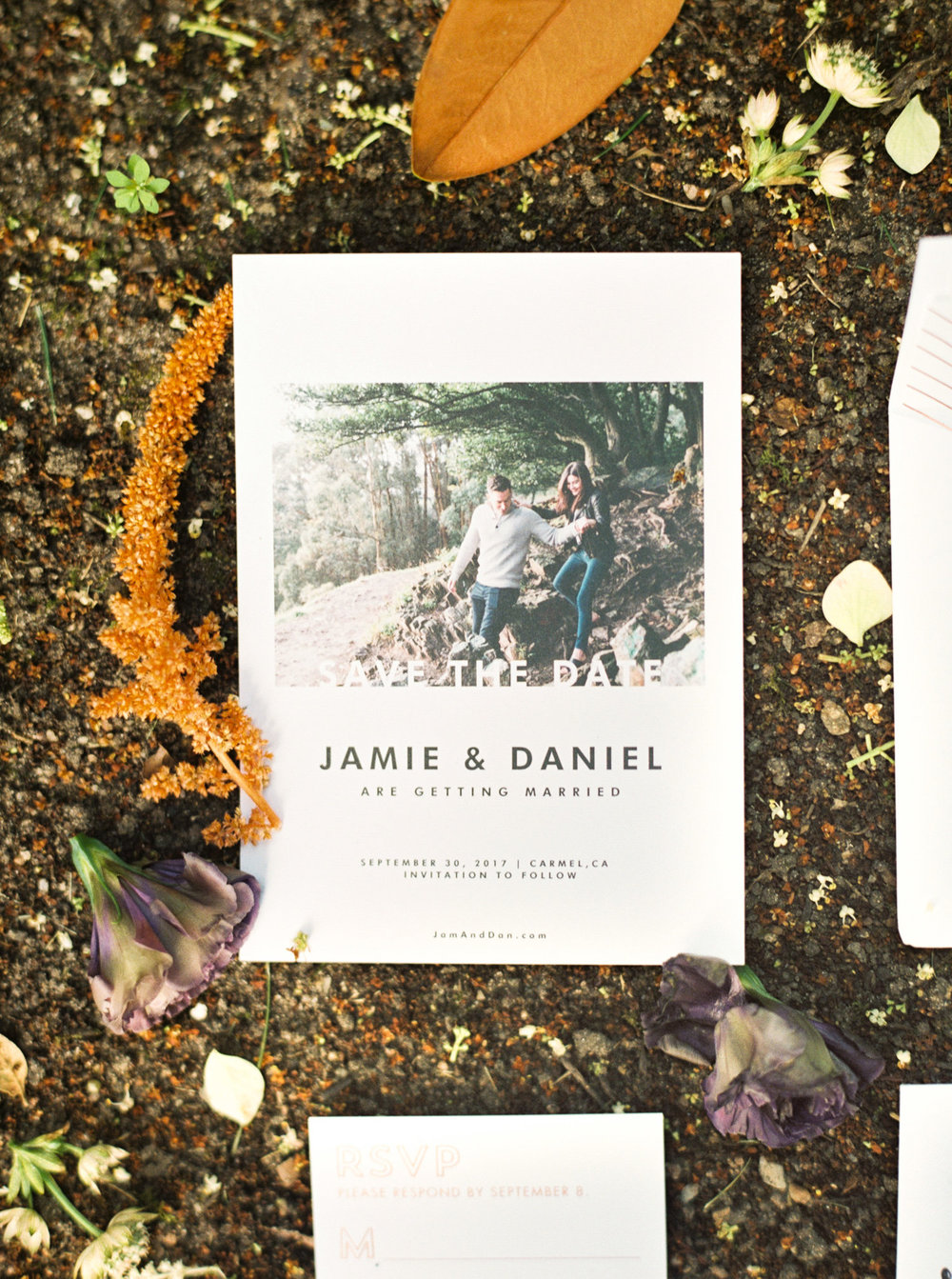 CARMEL-CALIFORNIA-WEDDING-PHOTOGRAPHER-INVITATIONS.jpg