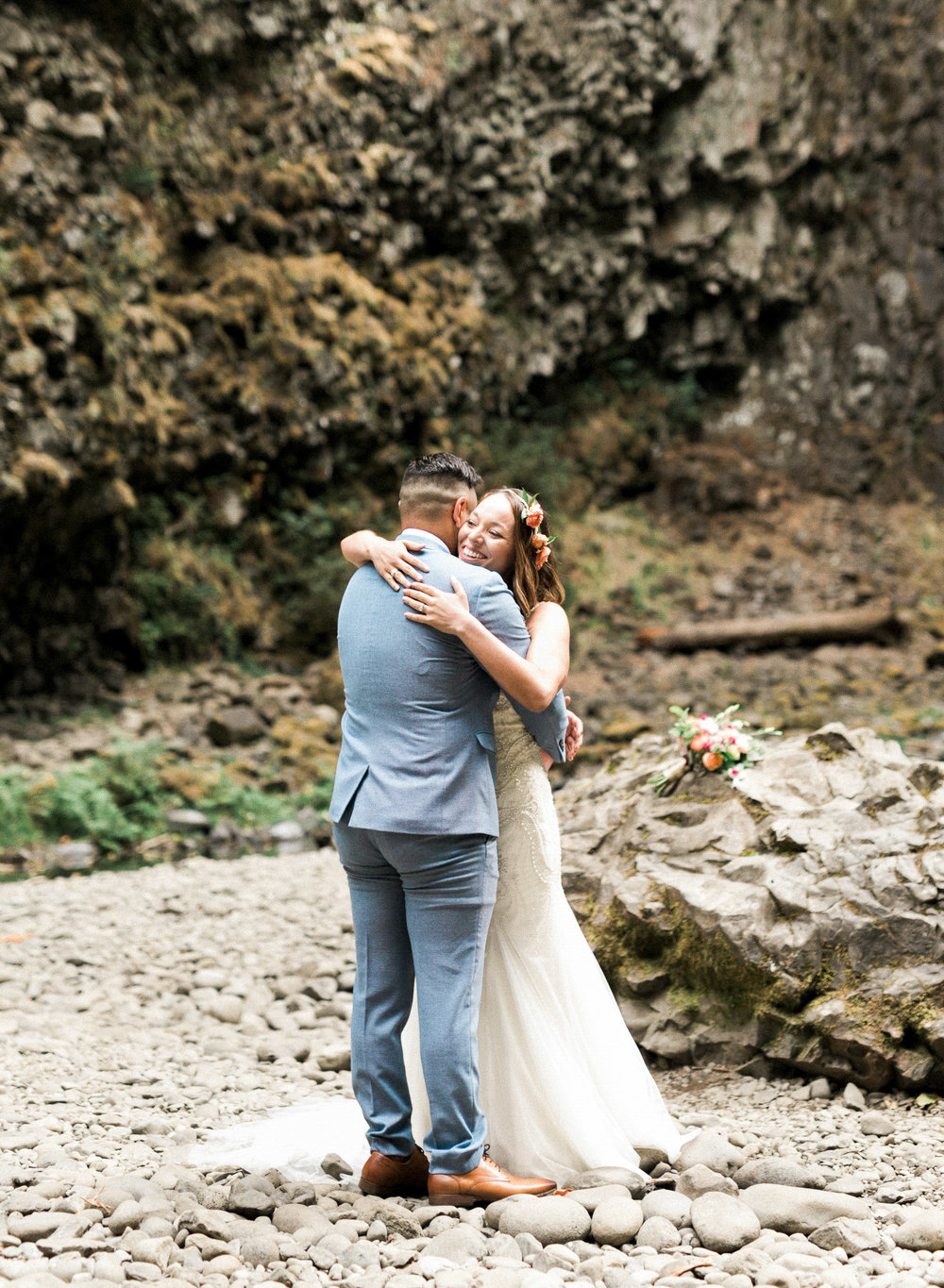 abiqua_falls_elopement_wedding_oregon_photographer_videographer_053.jpg