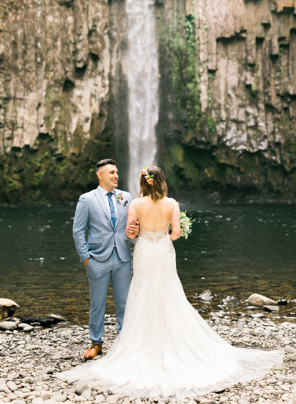 abiqua_falls_elopement_wedding_oregon_photographer_videographer_068.jpg