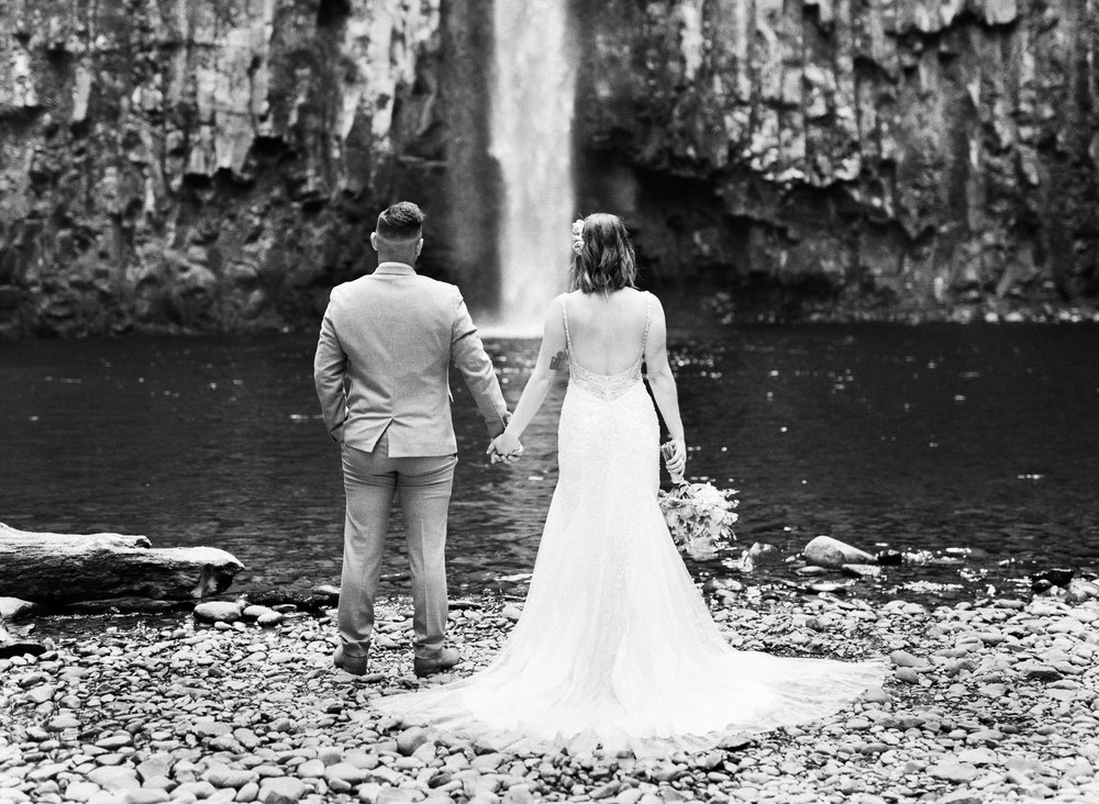abiqua_falls_elopement_wedding_oregon_photographer_videographer_071.jpg