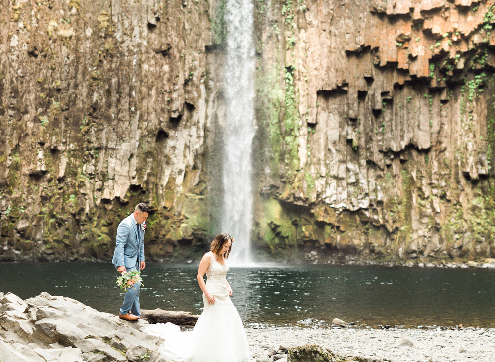 abiqua_falls_elopement_wedding_oregon_photographer_videographer_075.jpg