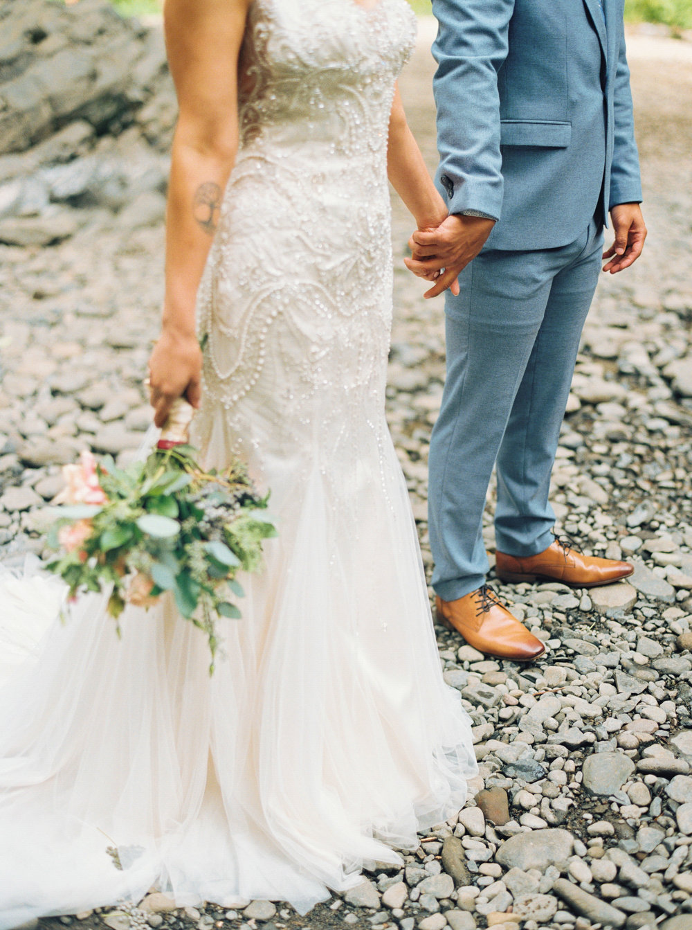 abiqua_falls_elopement_wedding_oregon_photographer_videographer_076.jpg