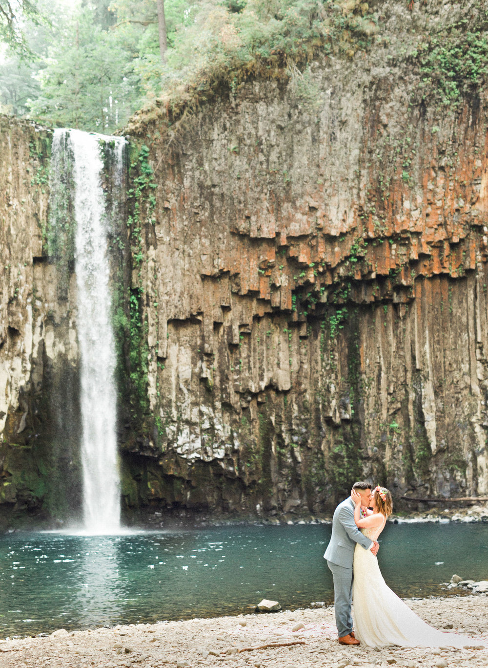 abiqua_falls_elopement_wedding_oregon_photographer_videographer_079.jpg