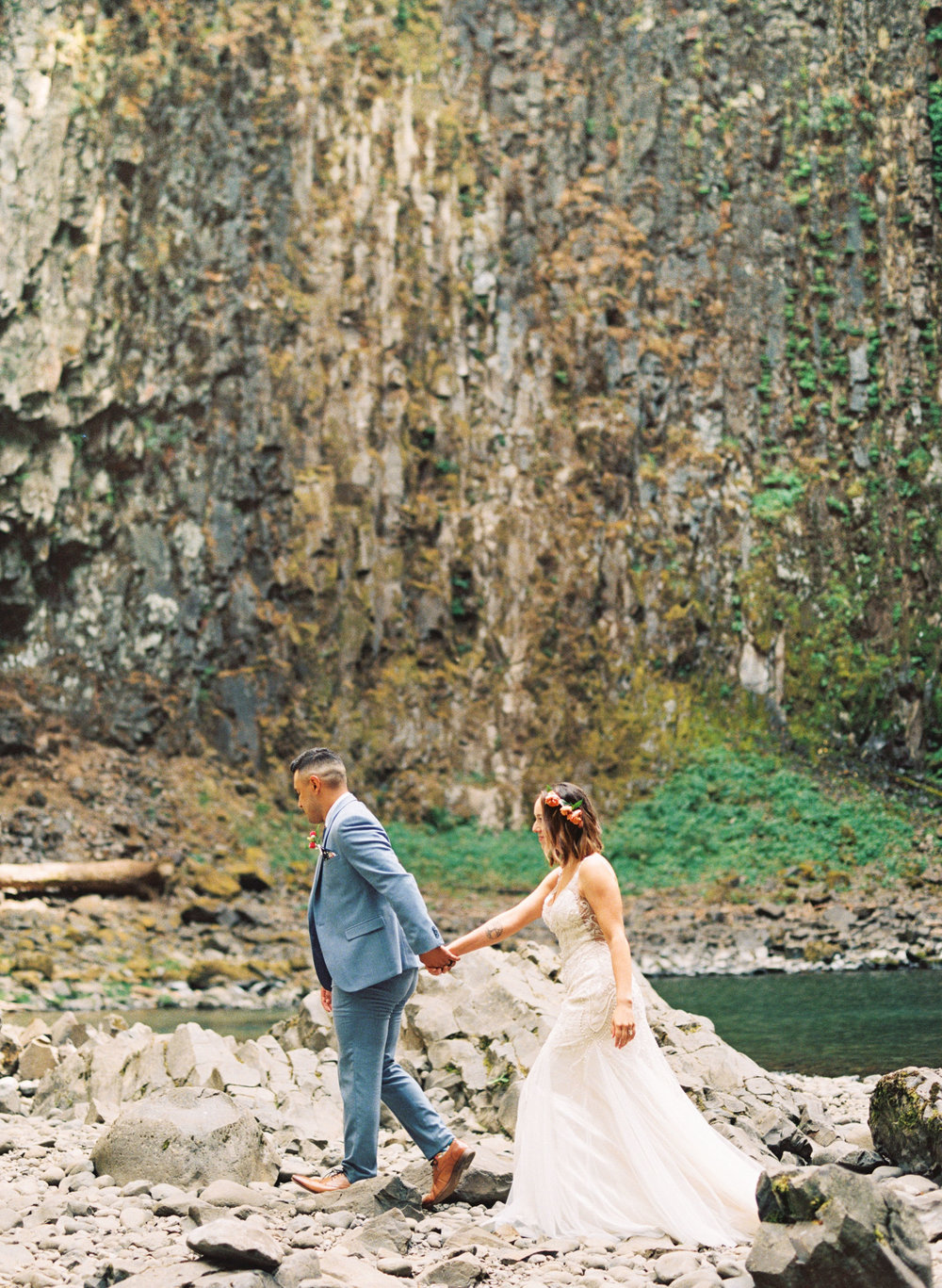 abiqua_falls_elopement_wedding_oregon_photographer_videographer_094.jpg