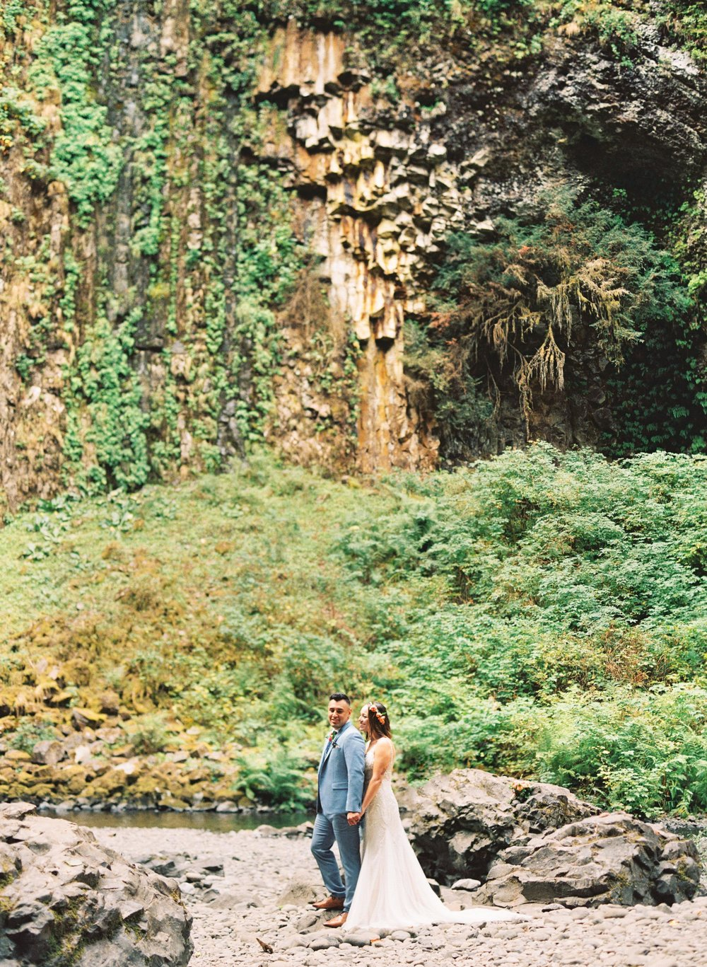 abiqua_falls_elopement_wedding_oregon_photographer_videographer_096.jpg