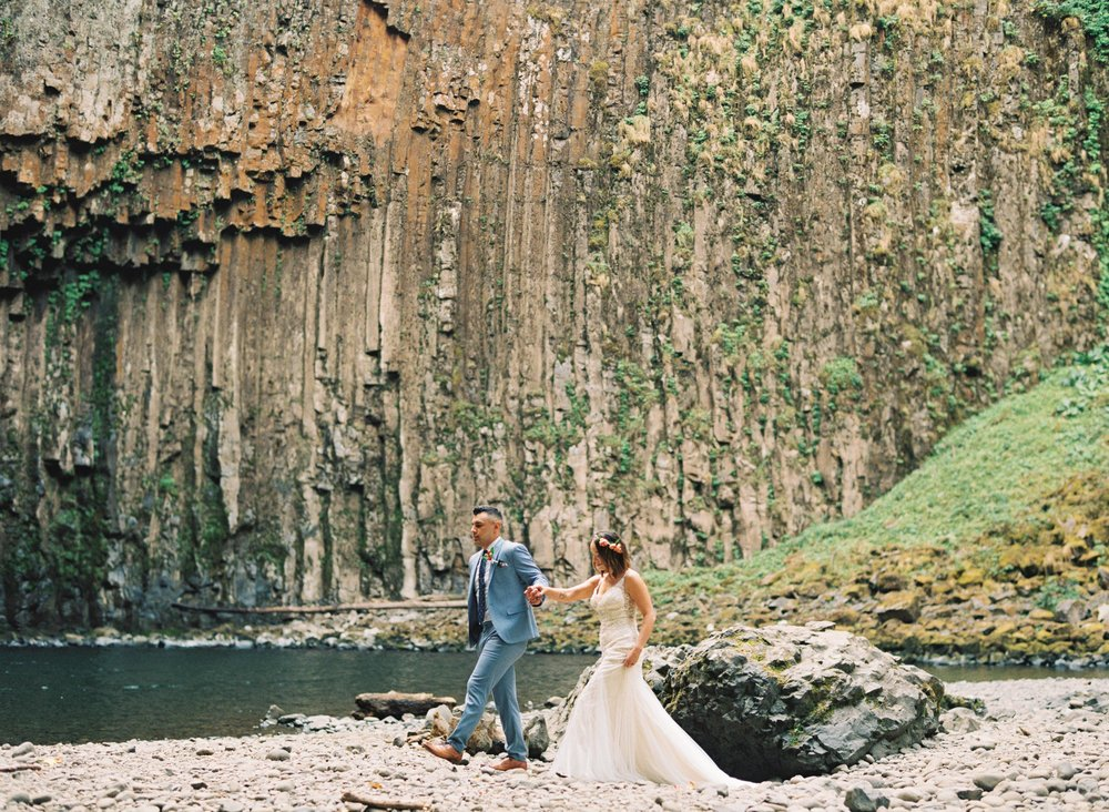 abiqua_falls_elopement_wedding_oregon_photographer_videographer_099.jpg