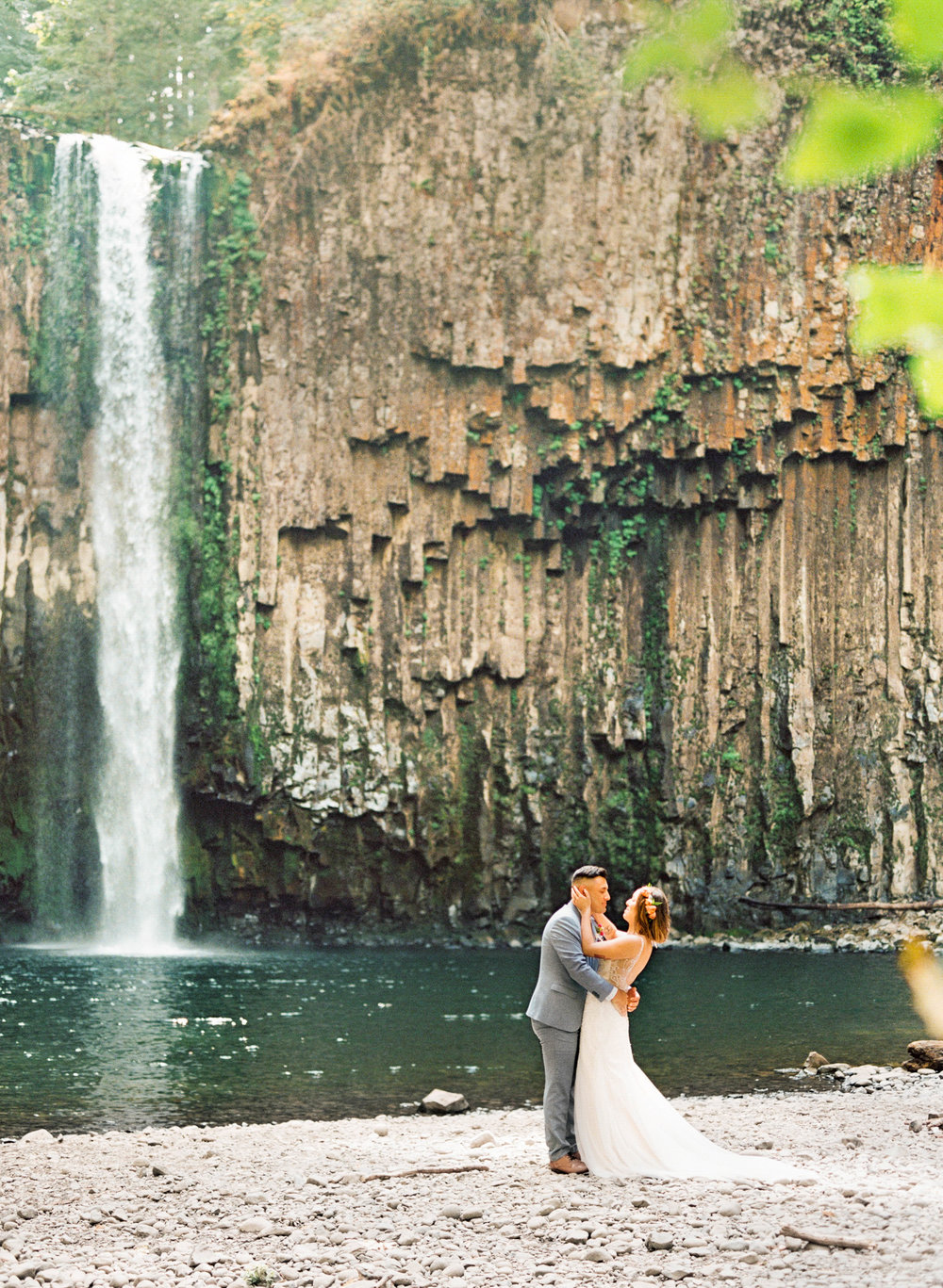 abiqua_falls_elopement_wedding_oregon_photographer_videographer_104.jpg