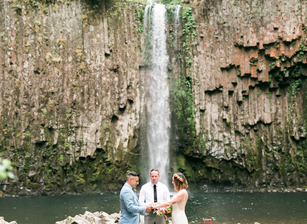 abiqua_falls_elopement_wedding_oregon_photographer_videographer_112.jpg