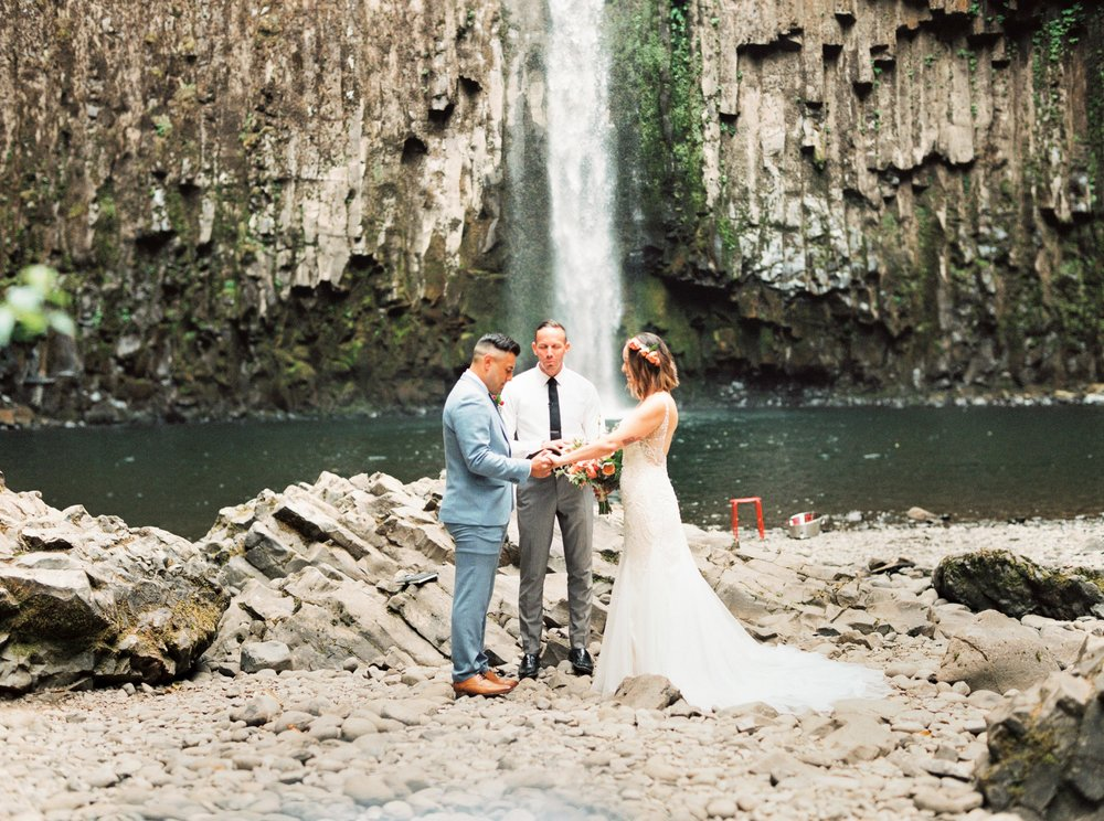 abiqua_falls_elopement_wedding_oregon_photographer_videographer_114.jpg