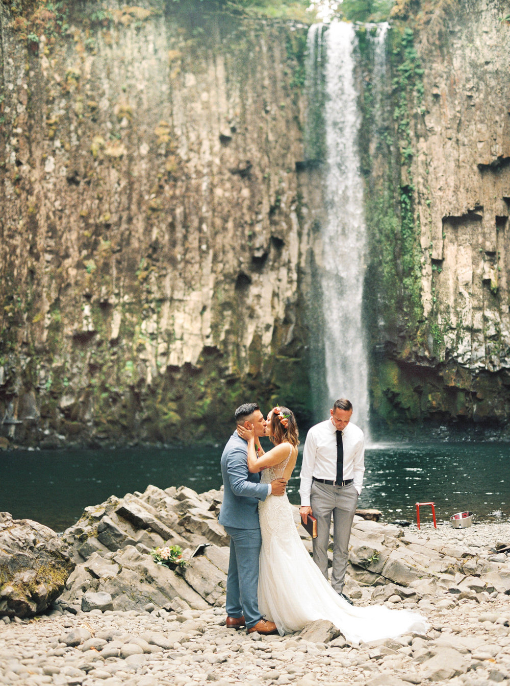 abiqua_falls_elopement_wedding_oregon_photographer_videographer_125.jpg