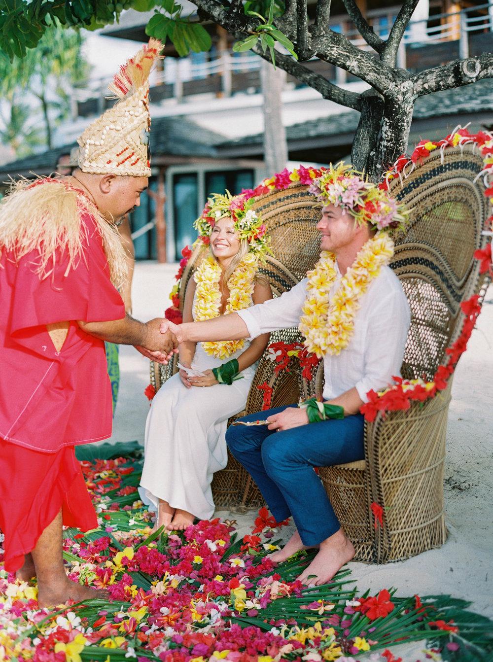 Moorea_Wedding_Elopement_Photographer_Videographer_105.jpg