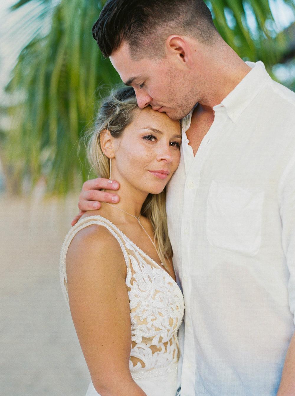 Moorea_Wedding_Elopement_Photographer_Videographer_153.jpg