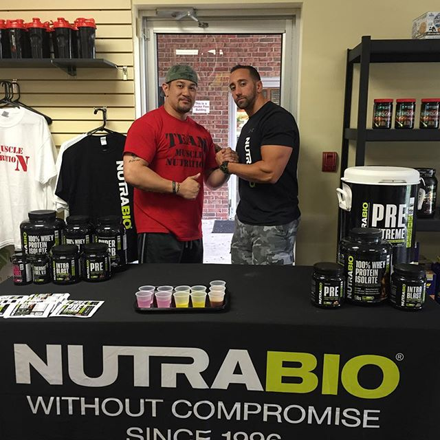 Last time I saw Pat we shared the stage at the Kemper Classic in 2013. Today we meet again and now he's got a great store going @musclenutrition_saddlebrook and carries #NutraBio. Check him out if you're in the area. #fitness #muscle #nutrabionation #nutrition #bodybuilding
