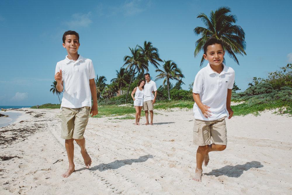 Families_beach_rivieramaya_photography_003.JPG