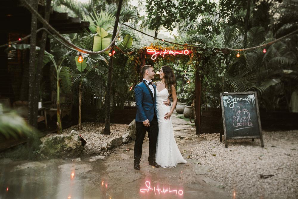 Destination photographer_tulum_ginatorestaurant_honeymoon_engagement_wedding_0020.JPG
