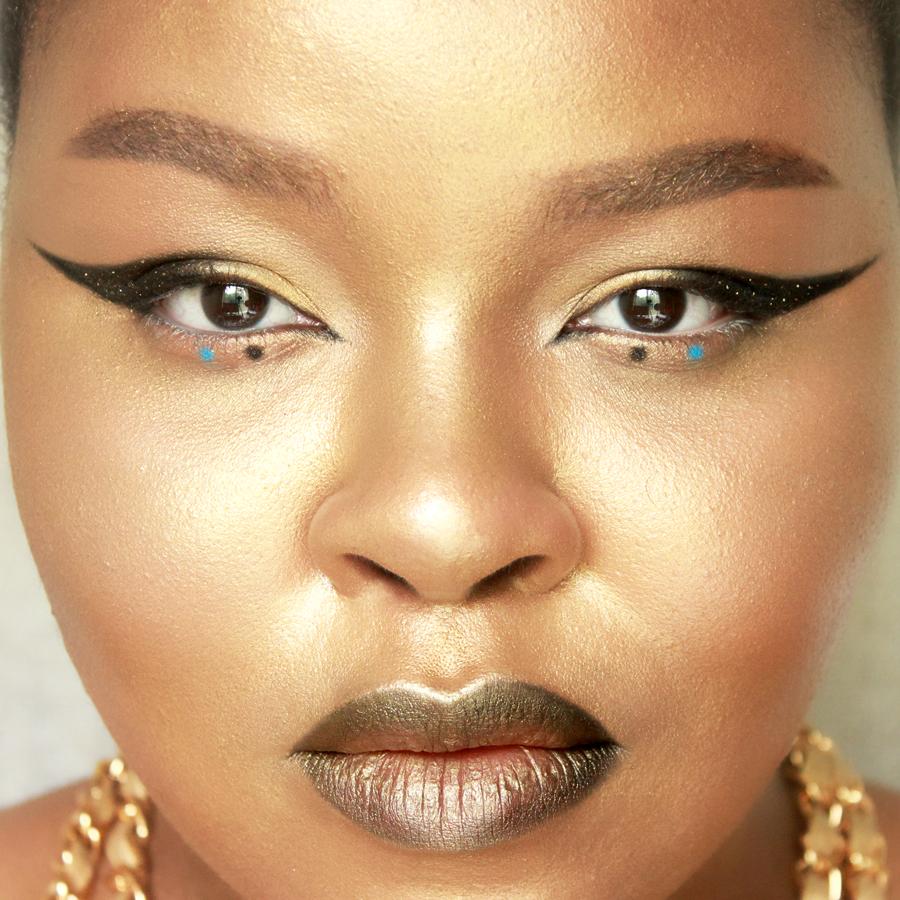 gold-editorial-makeup.jpg