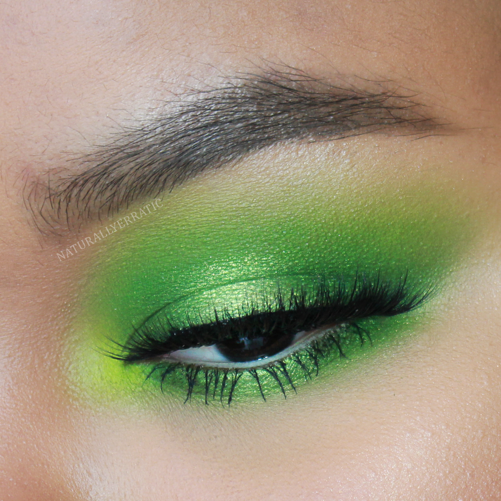 bright-green-eyeshadow.png