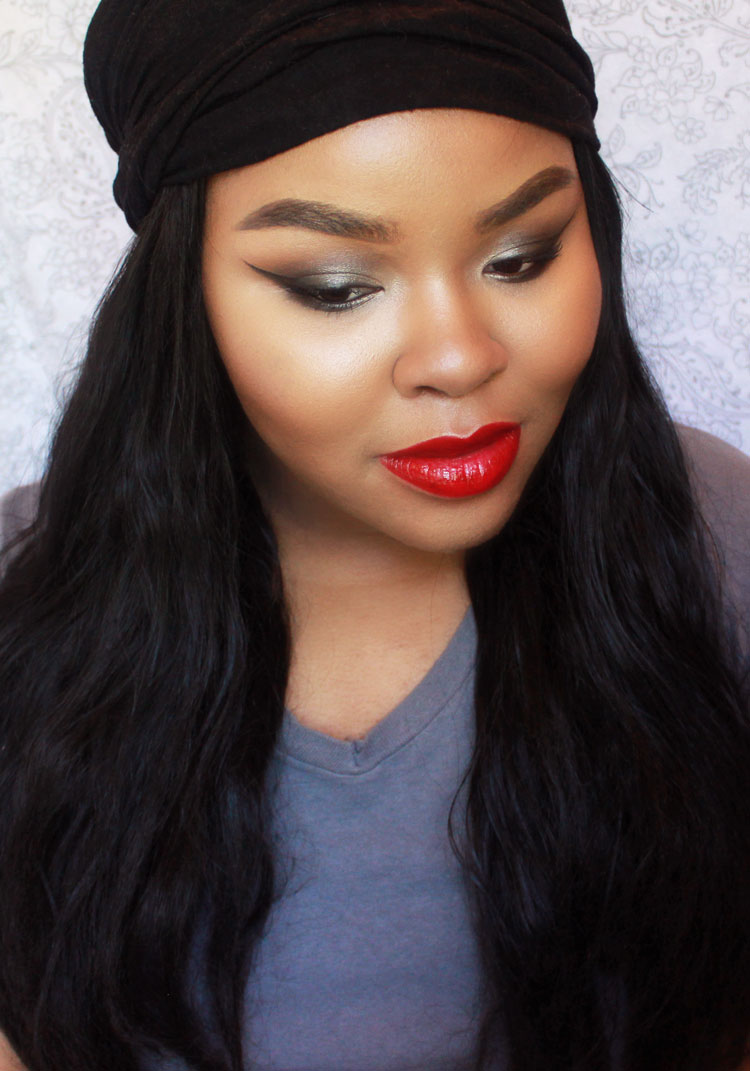 Winged eyeliner and Red Lipstick