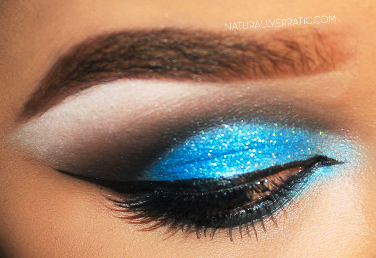 CUT CREASE MAKEUP, BLUE GLITTER MAKEUP