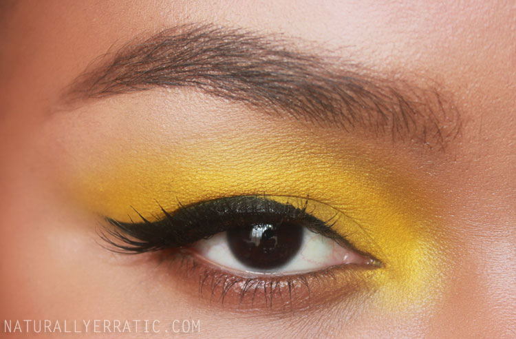 Yellow Eye Makeup, Winged Eyeliner, Black Eyeliner