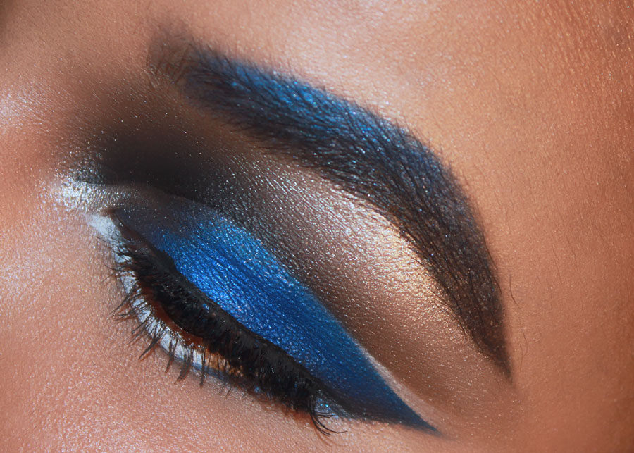 Blue eye shadow, blue eyebrows, blue makeup