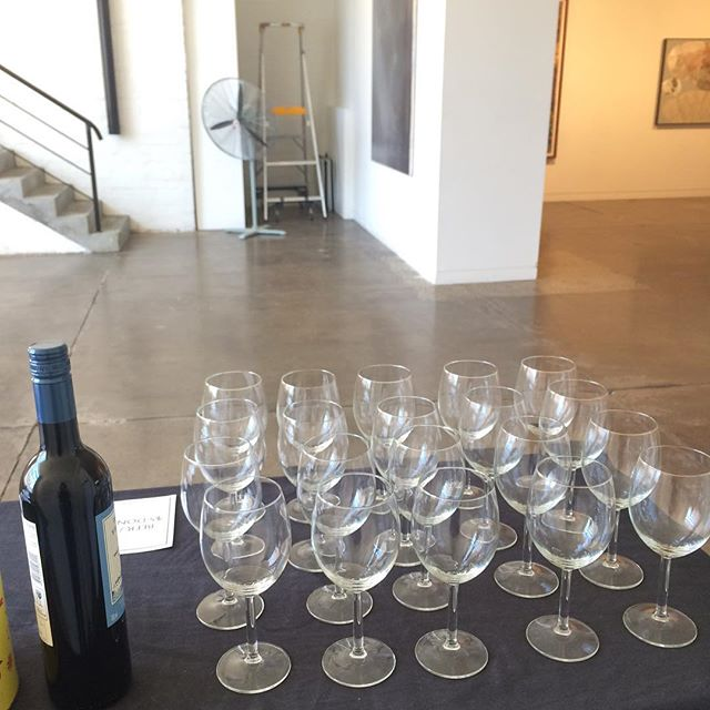 Combining two passions of mine, wine and art @gallerysmith_ this arvo. Come check out the amazing works in person, or you can still bid online via the link in the @thiswildsong bio until 3pm ⭐️
