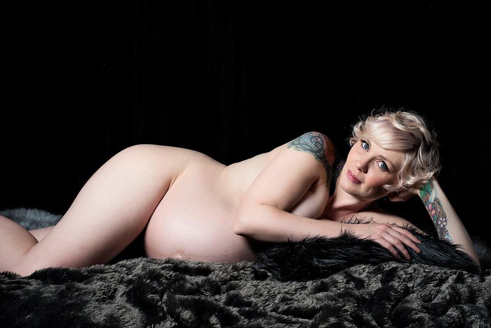 denver-fine-art-maternity-photo-15.jpg