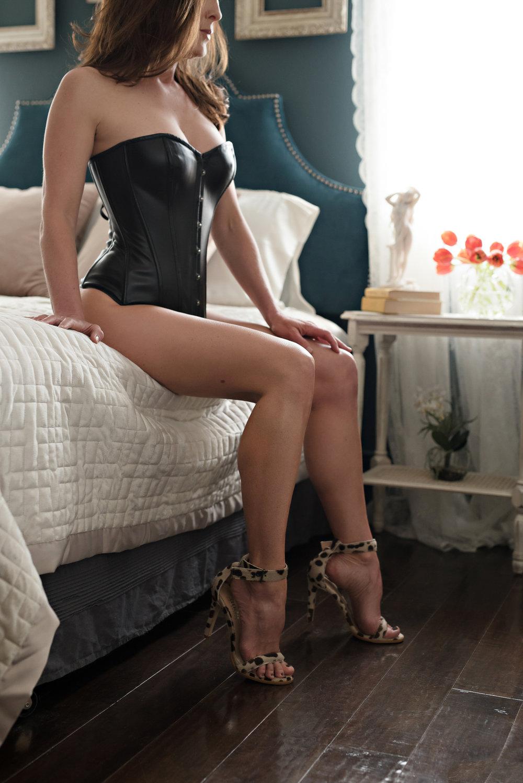 boudoir-pose-12.jpg